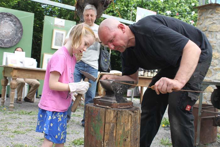 2012-05-27-hand-art-festival-schloss-alsheim_44